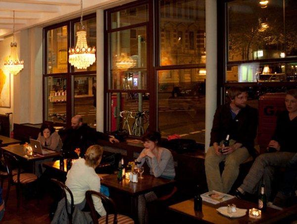Auberge Weltempfänger  and Café