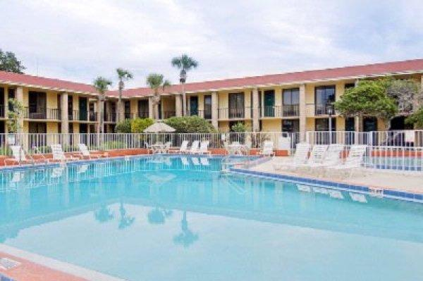 AAE Universal Maingate Days Inn