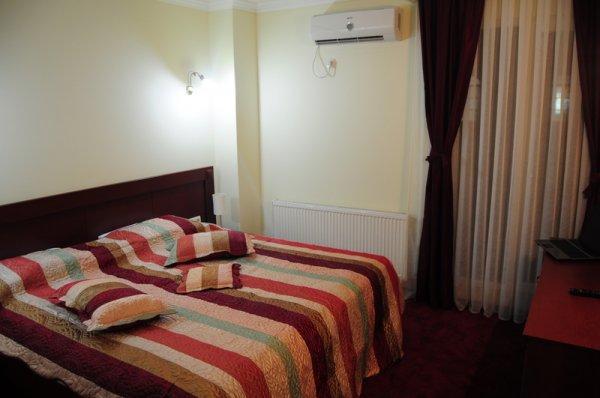 Hotel Parlament - Prishtina