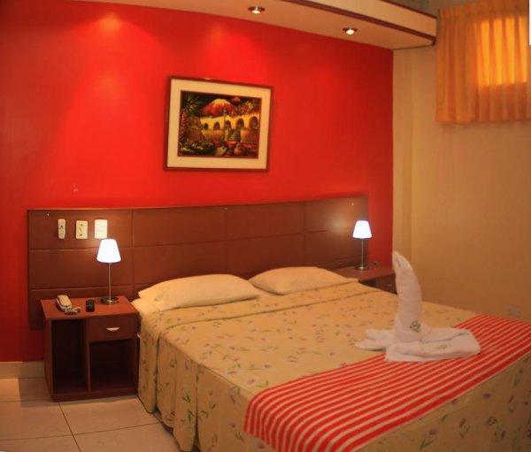 La Posada de Lobo Hotel and Suites
