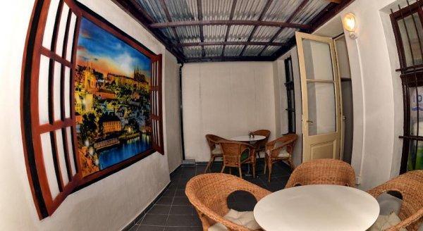 Auberge  One Home