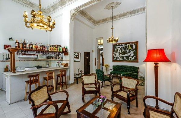 Bed & Breakfast Central Havana