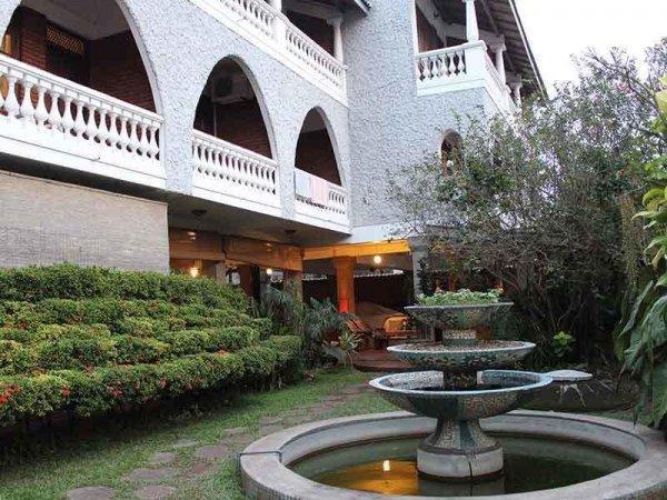 Ivory Inn