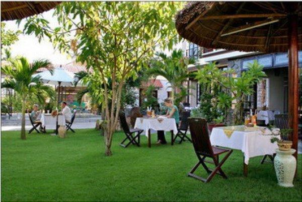 Grassland Hotel