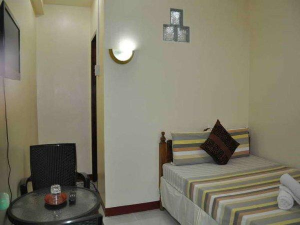 D' Lucky Garden Inn and Suites Palawan