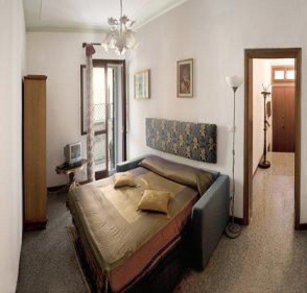 Frari Apartment 2