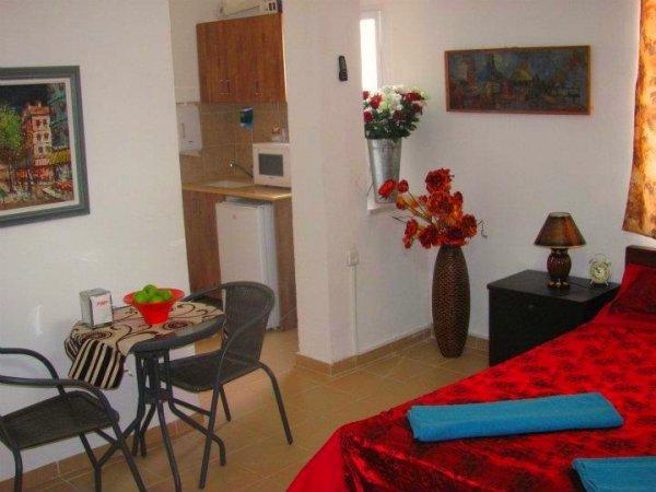 Loui hotel apartments