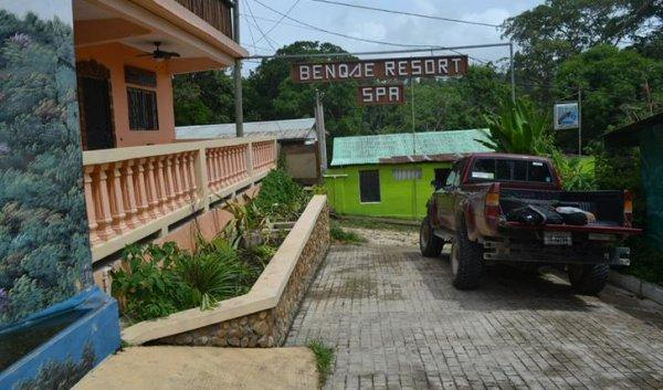 Auberge Benque Resort and Pents