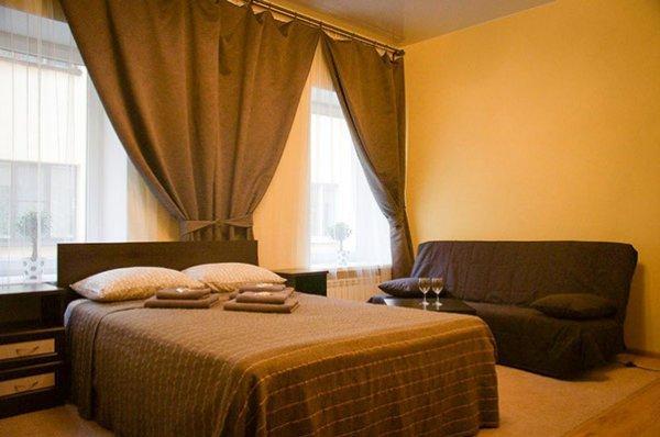 Hotel White Night
