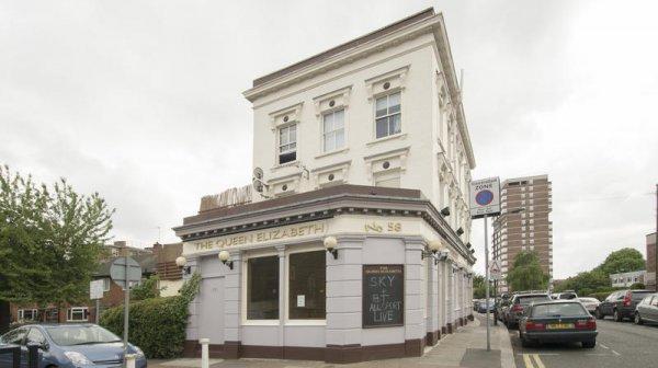 Auberge Queen Elizabeth Pub &  Chelsea