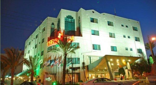Larsa Hotel