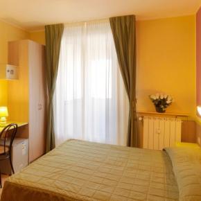 Auberges de jeunesse - Hotel Arco Romana