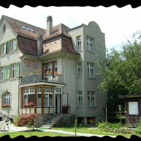 Auberges de jeunesse - Katys Lodge BnB