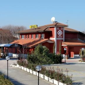 Auberges de jeunesse - Hotel Daniel