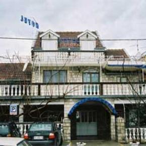 Auberges de jeunesse - Evropa Hotel