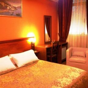 Auberges de jeunesse - Hotel Nobel Tirana
