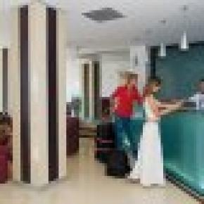 Qawra Point Apart Hotel