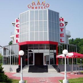 Auberges de jeunesse - Grand Hotel