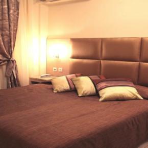 Auberges de jeunesse - Avra Hotel