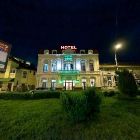 Auberges de jeunesse - Royal Hotel