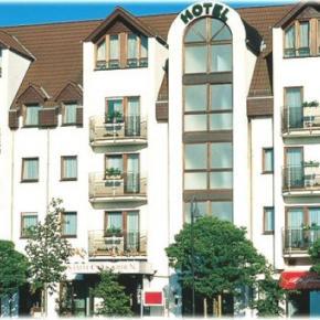 Auberges de jeunesse - HOTEL STADT FRANKFURT-KARBEN