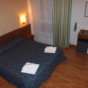 Auberges de jeunesse - Hotel Mediterraneo