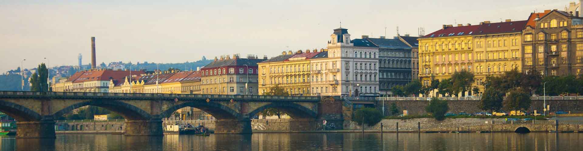 Prague - Auberges de jeunesse dans le quartier de Prague 2. Cartes pour Prague, photos et commentaires pour chaque auberge de jeunesse à Prague.