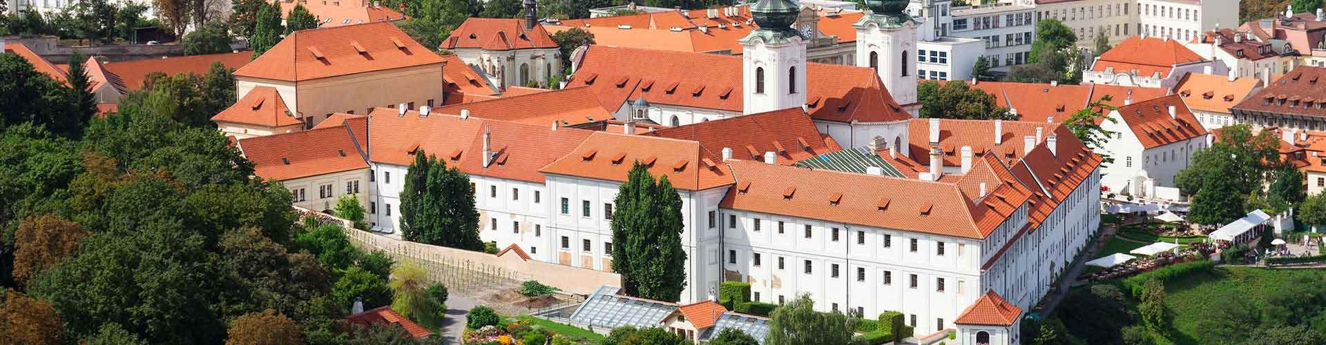 Prague - Auberges de jeunesse près de Monastère de Strahov. Cartes pour Prague, photos et commentaires pour chaque auberge de jeunesse à Prague.