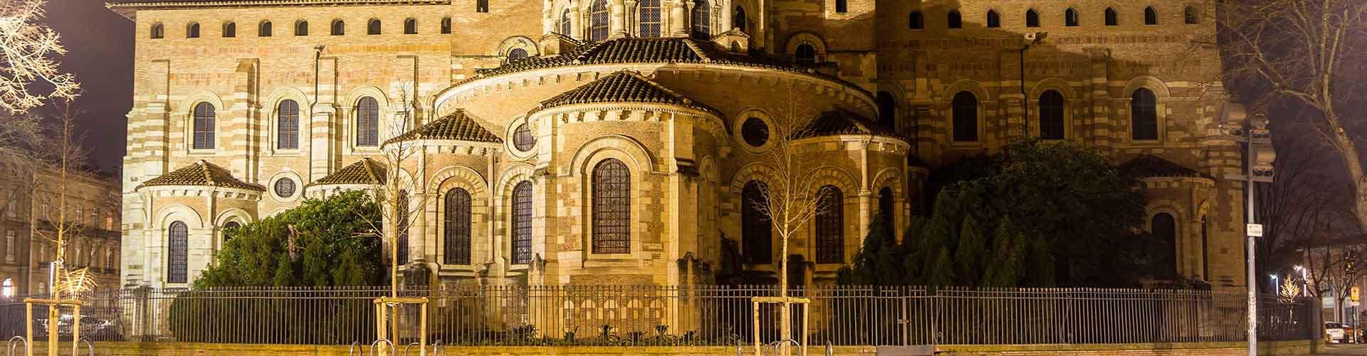 Toulouse - Hôtels dans le quartier de Saint Sernin. Cartes pour Toulouse, photos et commentaires pour chaque hôtel à Toulouse.