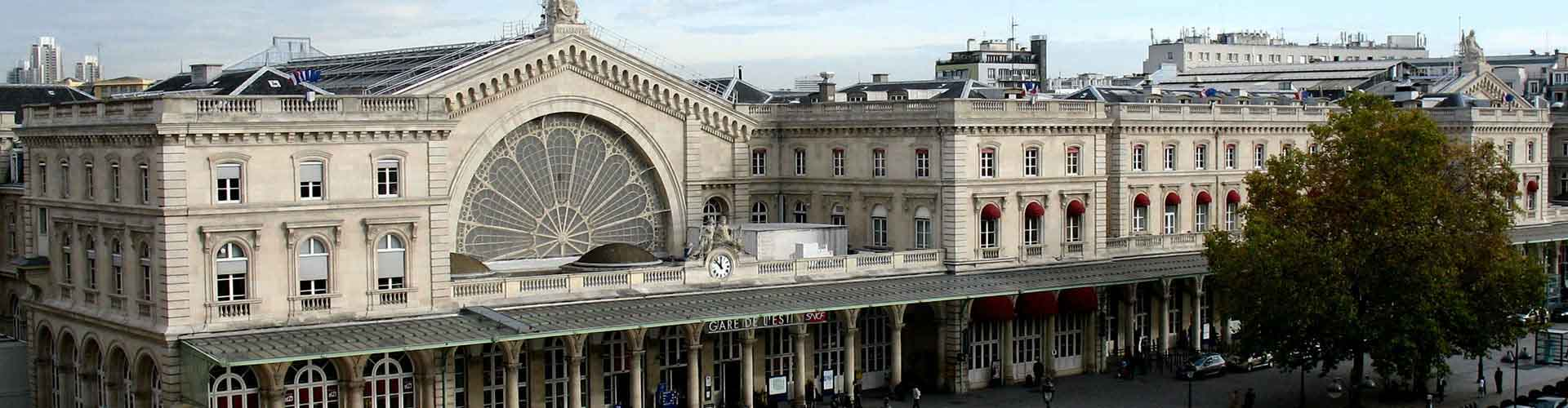 Paris - Auberges de jeunesse près de Gare de l'Est railway station. Cartes pour Paris, photos et commentaires pour chaque auberge de jeunesse à Paris.