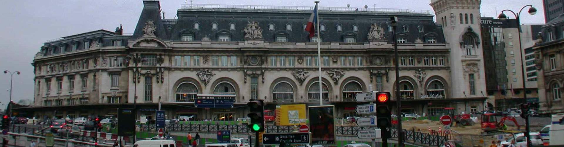 Paris - Hôtels près de Gare de Lyon. Cartes pour Paris, photos et commentaires pour chaque Hôtel à Paris.