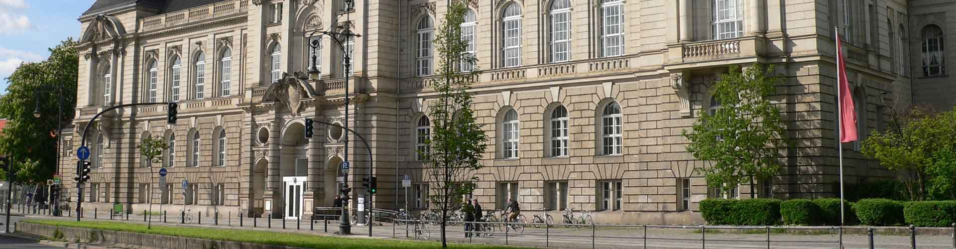 Berlin - Auberges de jeunesse dans le quartier de Berzik Charlottenburg. Cartes pour Berlin, photos et commentaires pour chaque auberge de jeunesse à Berlin.