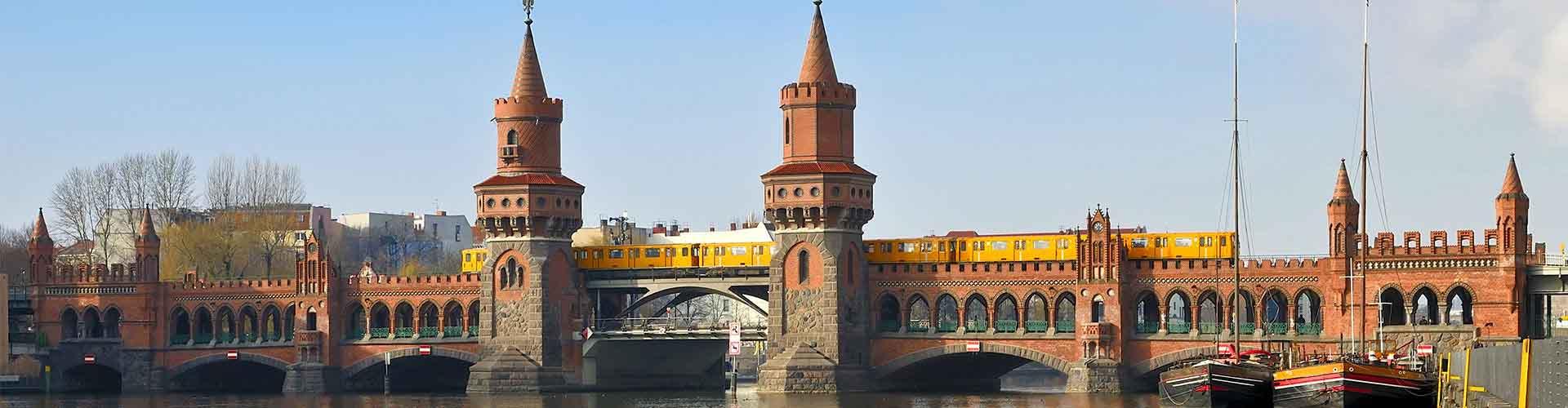 Berlin - Auberges de jeunesse près de Oberbaumbrücke. Cartes pour Berlin, photos et commentaires pour chaque auberge de jeunesse à Berlin.