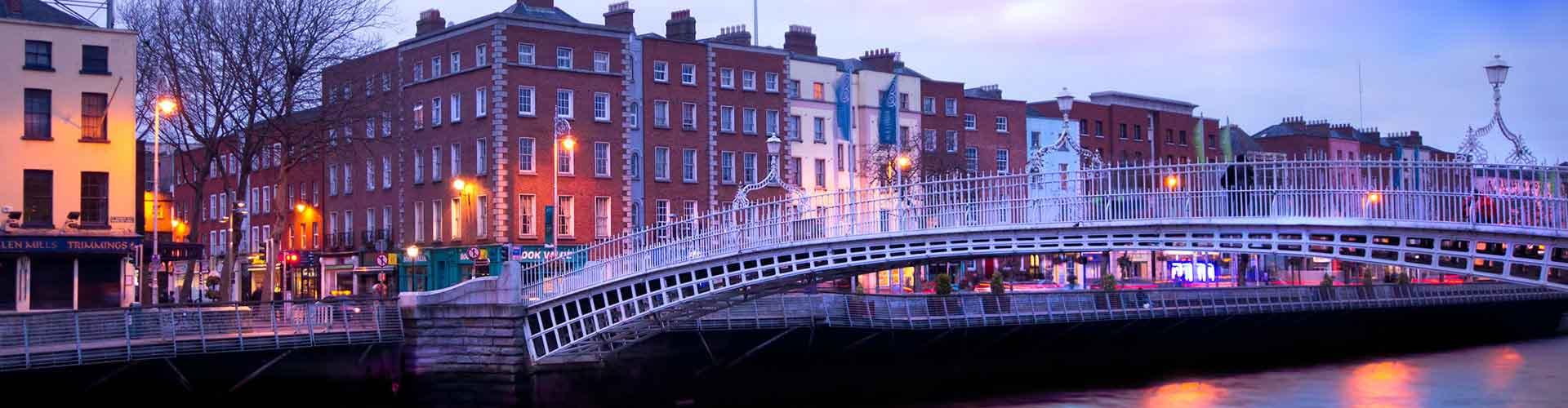 Dublin - Auberges de jeunesse près de Ha'Penny Bridge. Cartes pour Dublin, photos et commentaires pour chaque auberge de jeunesse à Dublin.