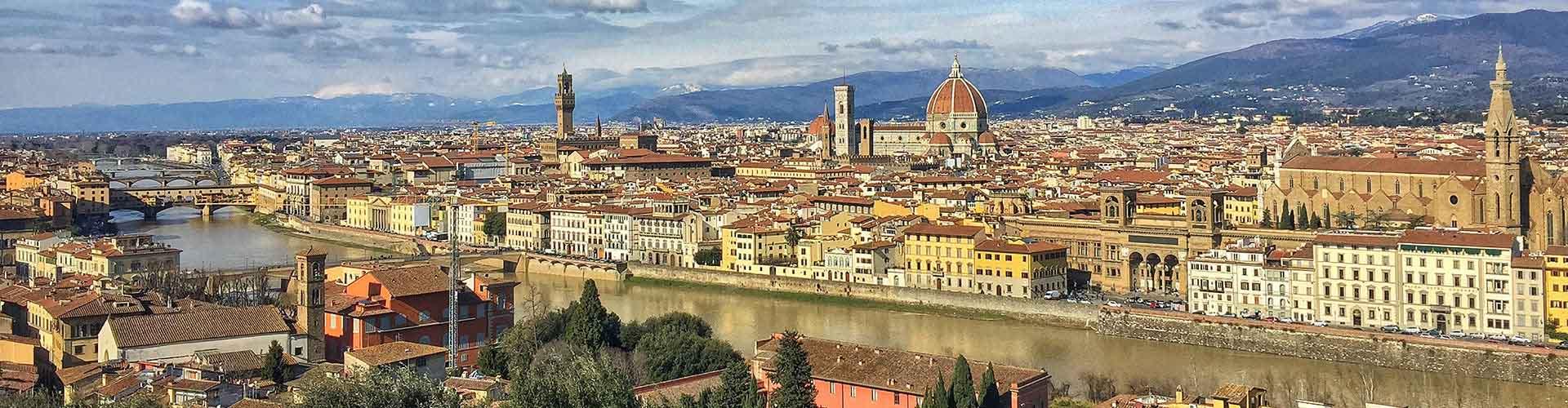 Florence - Camping dans le quartier de Duomo - Oltrarno. Cartes pour Florence, photos et commentaires pour chaque camping à Florence.