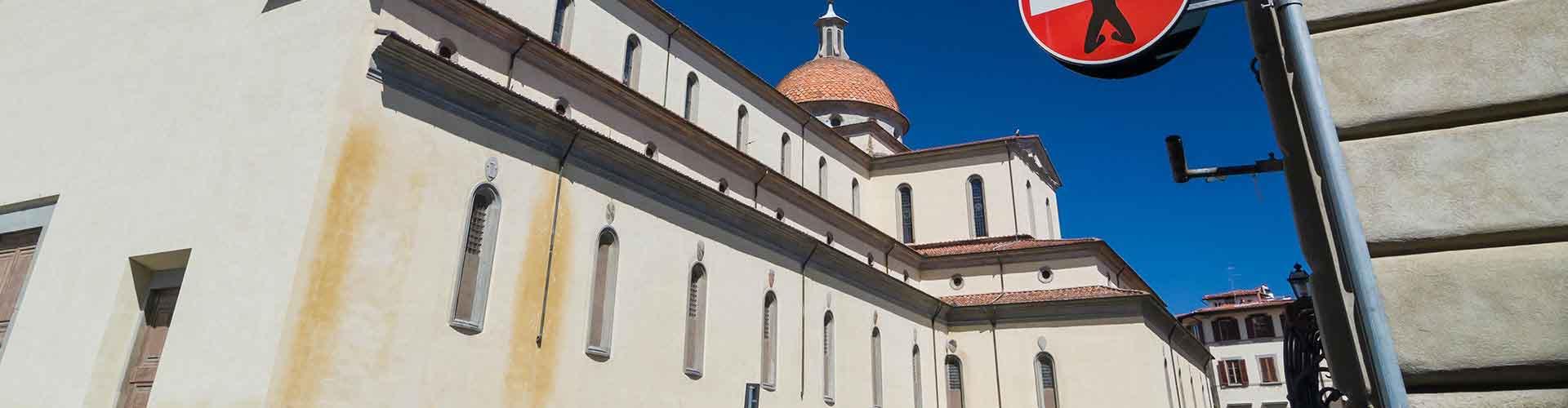 Florence - Hôtels dans le quartier de Santo Spirito. Cartes pour Florence, photos et commentaires pour chaque hôtel à Florence.