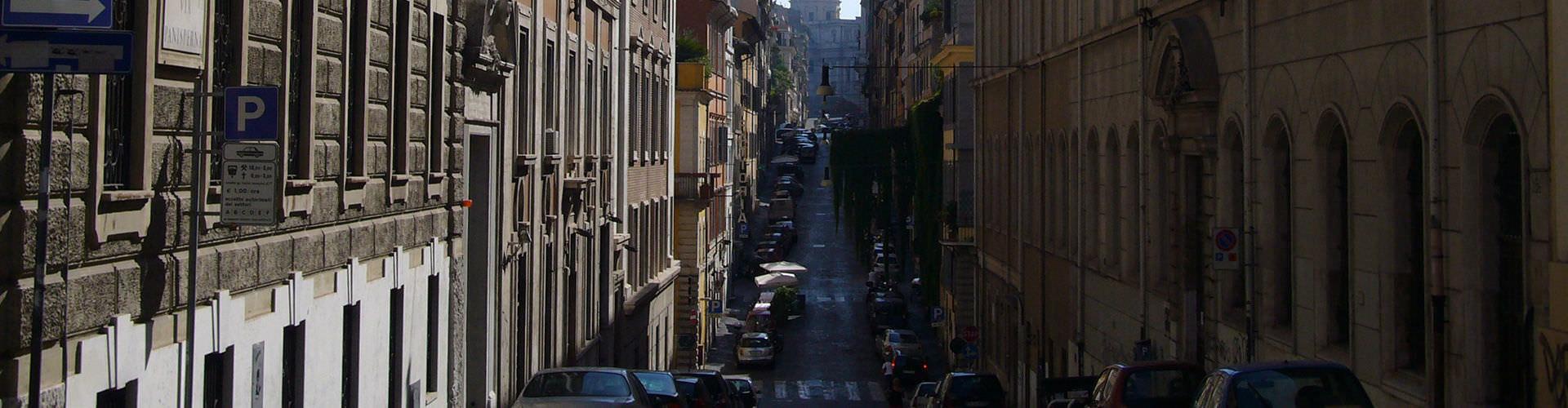Rome - Appartements dans le quartier de Monti. Cartes pour Rome, photos et commentaires pour chaque appartement à Rome.