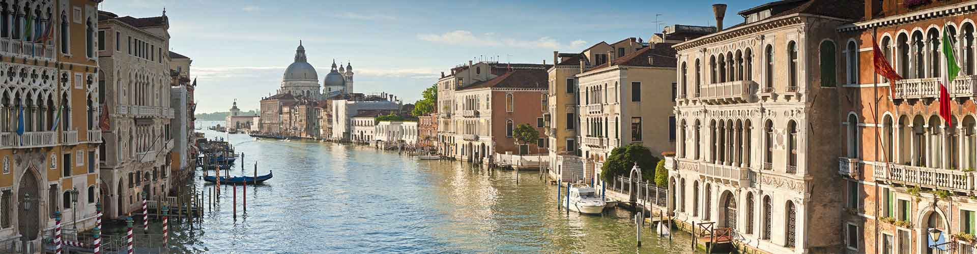 Venise - Auberges de jeunesse dans le quartier de Dorsoduro, S. Polo, S. Croix, Giudecca, Sack Fisola. Cartes pour Venise, photos et commentaires pour chaque auberge de jeunesse à Venise.