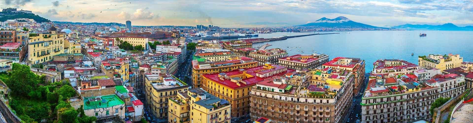 Naples - Auberges de jeunesse dans le quartier de Fuorigrotta. Cartes pour Naples, photos et commentaires pour chaque auberge de jeunesse à Naples.
