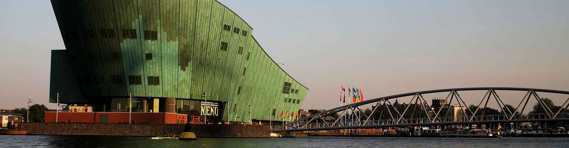 Amsterdam - Hôtels près de NEMO. Cartes pour Amsterdam, photos et commentaires pour chaque Hôtel à Amsterdam.